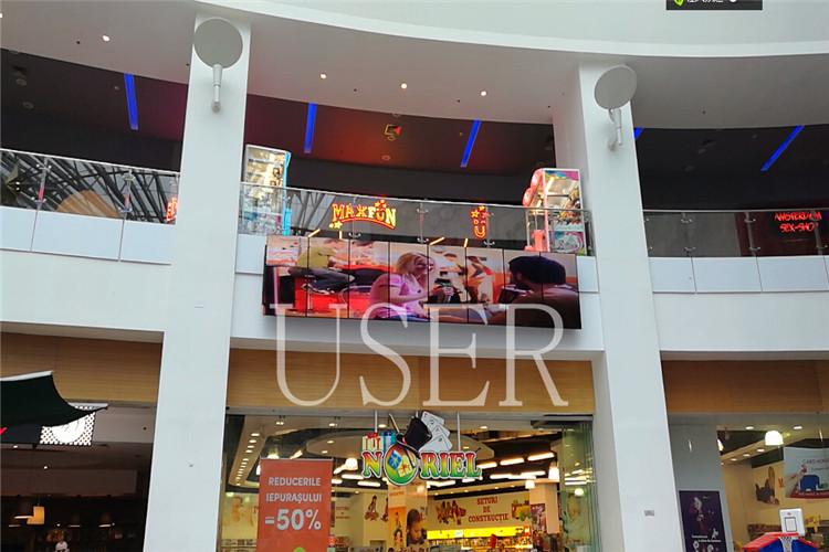 Romania shopping mall 1x8 65 inch lcd video wall 02